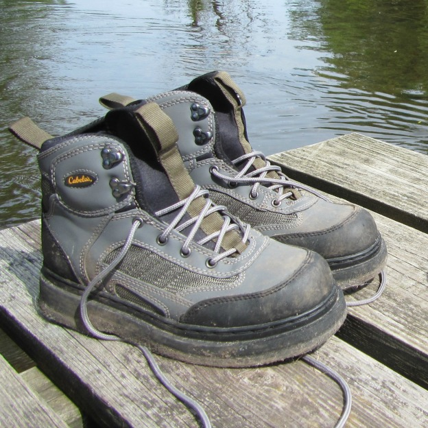 The best wading boots for fly fishing guide recommended for Cabelas fishing waders